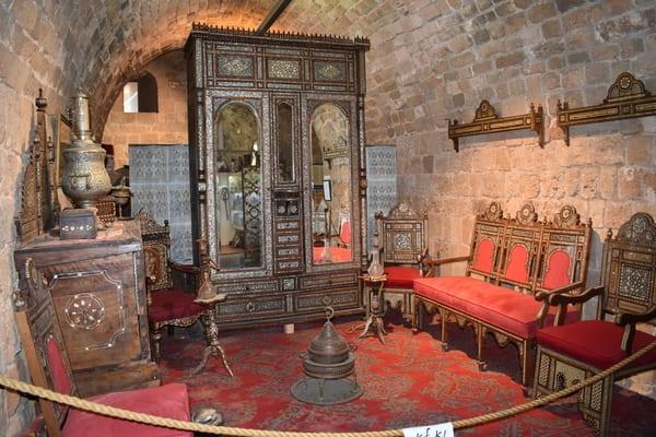 Treasures-in-the-walls